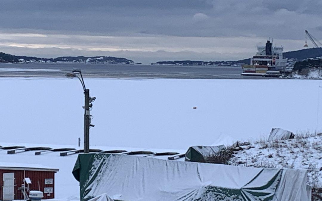 Ferdsel på islagte vann og fjorder